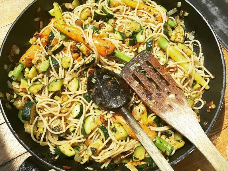 Recipe of zucchini and almond pasta